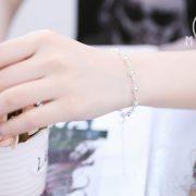 Lắc bạc hoa hồng phối bi nhỏ
