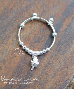Lắc bạc cứng charm mèo thần tài