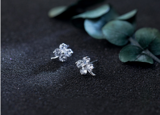 5 lý do nên mua trang sức bạc