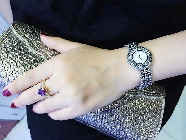 Sử dụng trang sức vàng và trang sức bạc có kỵ nhau hay không?