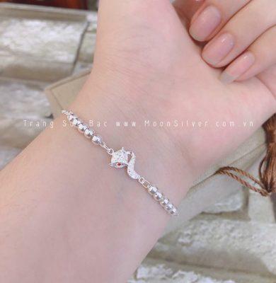 6 lý do bạn phải có 1 món đồ trang sức bạc lên người