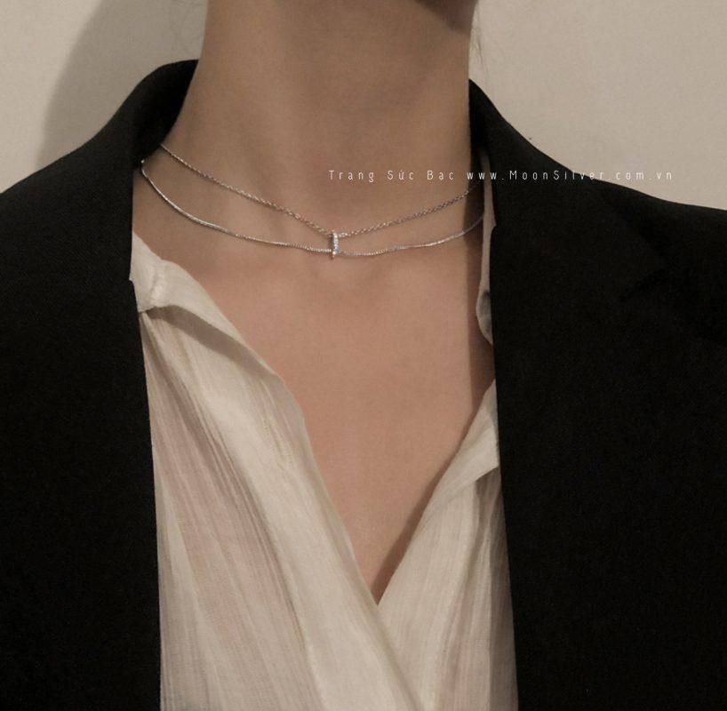 Kết hợp trang sức bạc với trang phục một cách dễ dàng